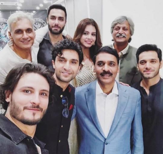 Ehd e wafa selfie with DG ISPR