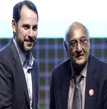 SOURCE: DAWN.COM Famous poet Amjad Islam Amjad receives prestigious Turkish award.