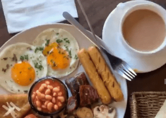 SOURCE: REVIEWIT.PK 3 Scrumptious Breakfast Options from Vintage Cafe.