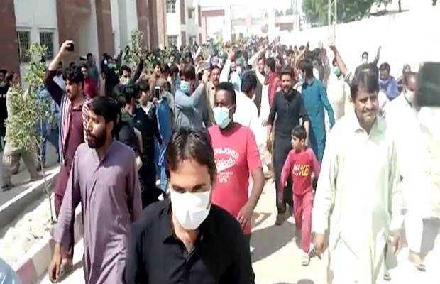 Chaos at Sukkur's Quarantined isolation center.