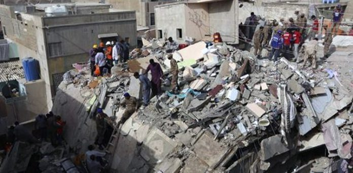 KARACHI BUILDINGS COLLAPSE, Local residents and affecters of the Gulbahar incident protest for legal action