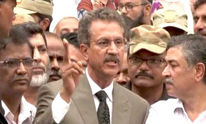 Mayor asked the Sindh govt to establish a central helpline about capacity in hospitals,bed and ventilators' availability.