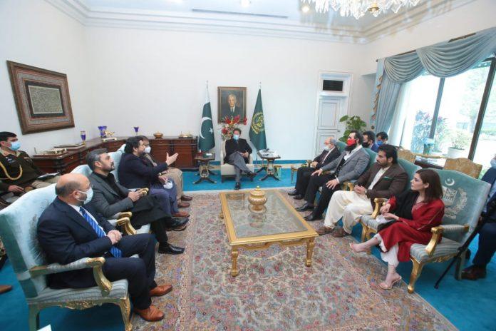 PM Imran Khan meeting Ertugrul team made Pakistanis unhappy