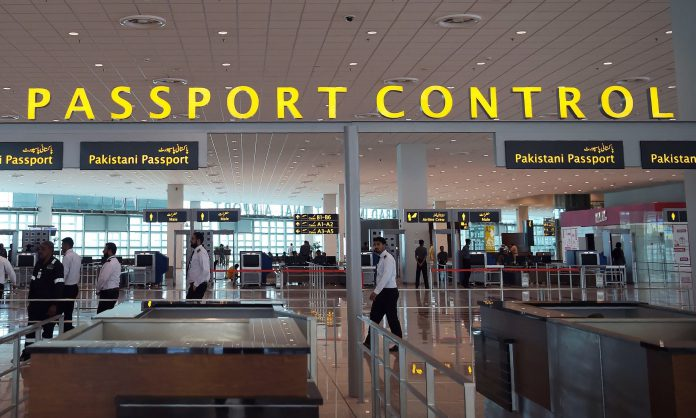 Rise in Covid-19 || Pakistan Bans Travel From India for 2 weeks