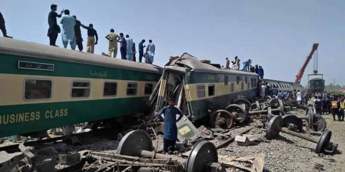 Train Accident At Ghotki, Prime Minister Directs a Complete Investigation