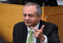Abdul Razzaq: Pakistan to Start Exporting Cell Phones in January 2022