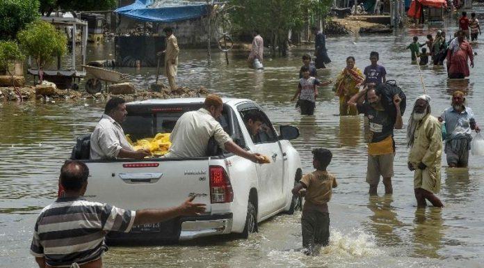 The third monsoon spell: Large Parts of Karachi receive lashing rain